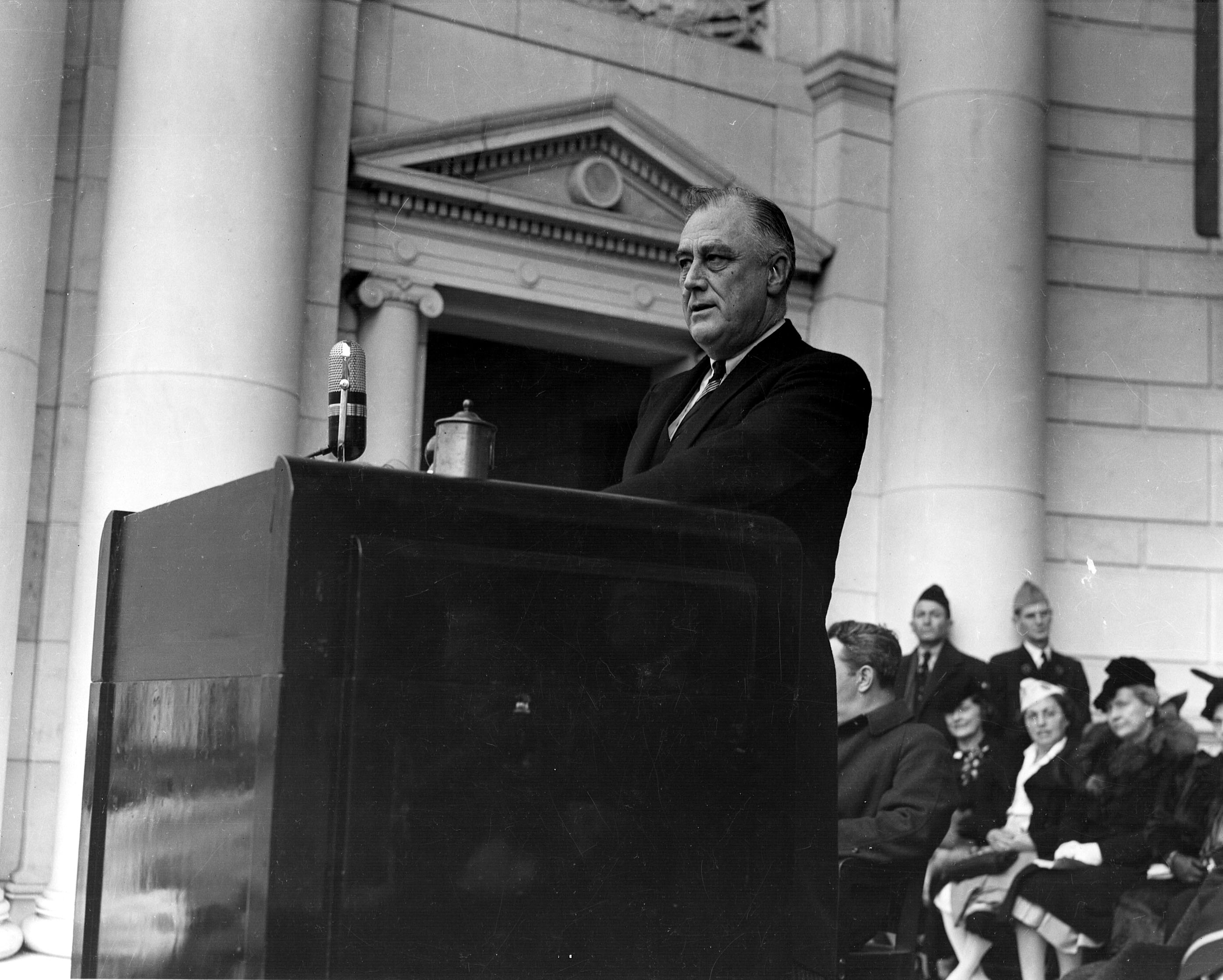 america under the guidance of president franklin d roosevelt To give all the people under its franklin d roosevelt roosevelt asked frances perkins to with the election of franklin d roosevelt as president.