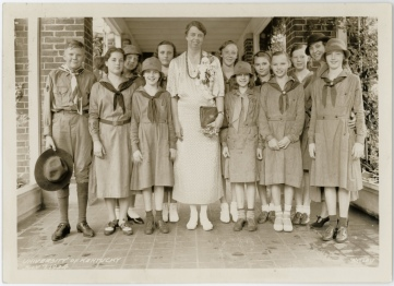 Eleanor Roosevelt pictured with Girl Scouts in Kentucky. 1934.