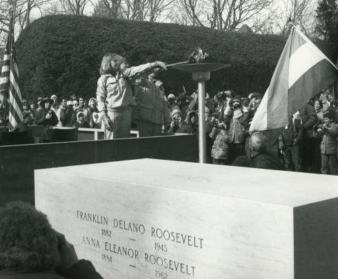 1980 Torch lighting ceremony